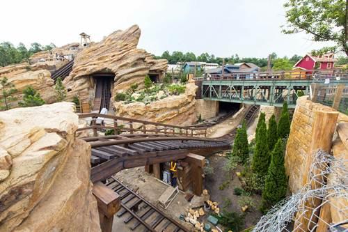 Big Grizzly Mountain Runaway Mine Car en Disneyland Hong Kong