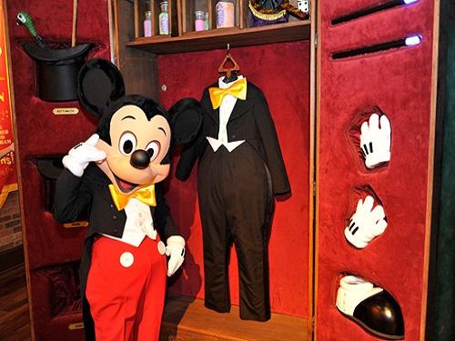 Mickey Mouse te saluda desde Magic Kingdom, Los Ángeles